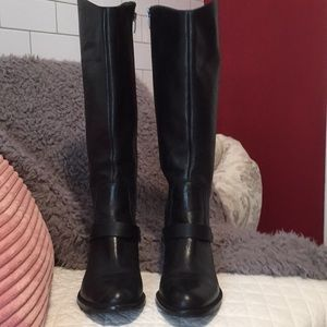 Lester Boots